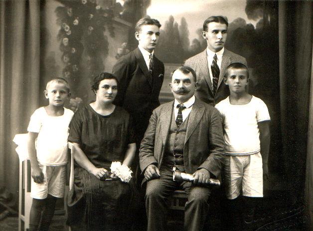 Pettrits József és családja 1925-ben